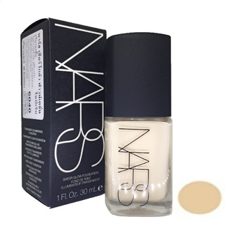 NARS Sheer Glow Foundation 30ml. (สี SIBERIA)