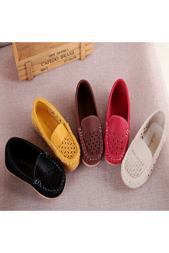 I67 Casual Kid Breathable Hollow Mesh Peas Shoes Summer PU Flat Girls Boys Shoes Color Beige - Intl